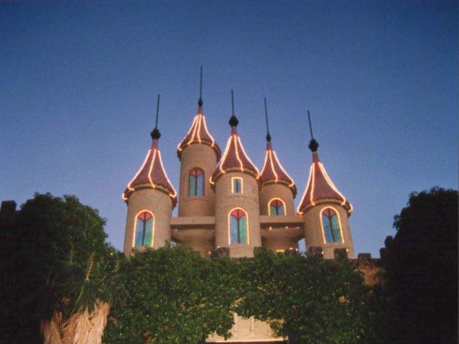 замок Ужин Показать Desafío Medieval Альфас-дель-Пи